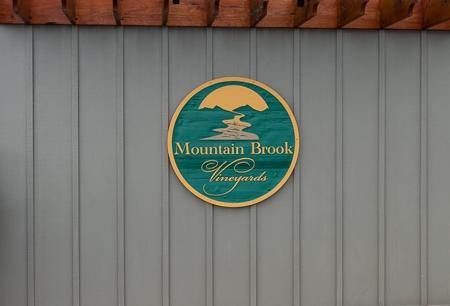 Mountain Brook Vineyards sign