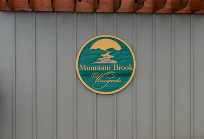Mountain Brook Vineyards Sign