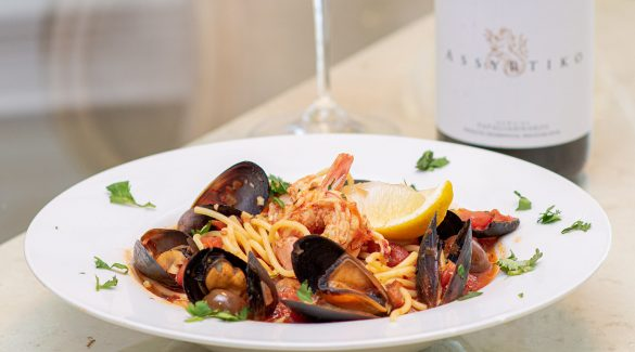 Mussel, Shrimp and Pasta Dish