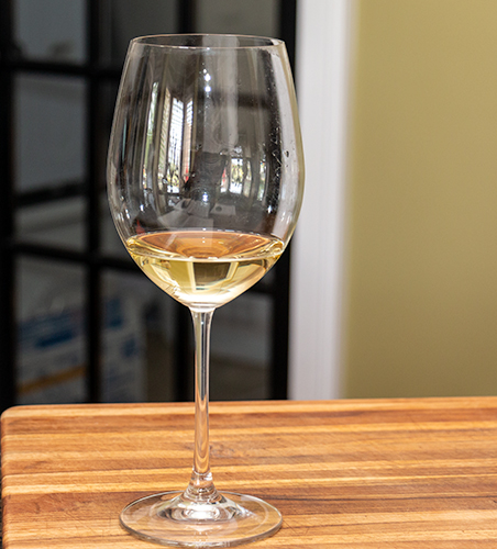 Glass of Tamellini Soave